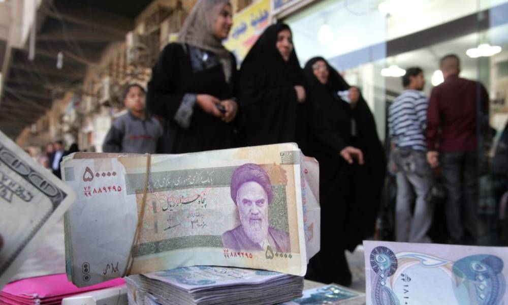Iran opens an account in Iraqi banks to circumvent US sanctions .. These details