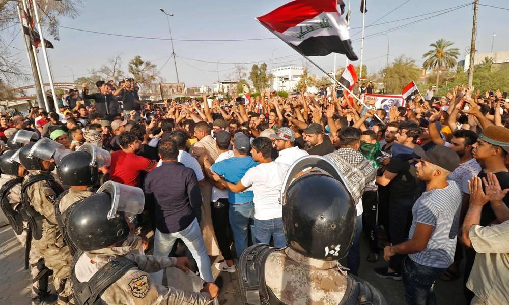 """هل سيدخل العراق """"ازمة اقتصادية"""" حادة مع استمرار المظاهرات ؟ ..  وكيف سيخرج منها ؟!"""