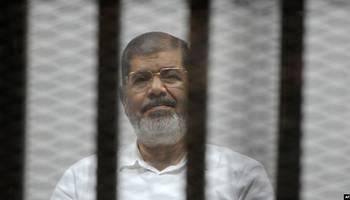 محلل مصري يكشف عن علامتين تؤكدان اغتيال مرسي