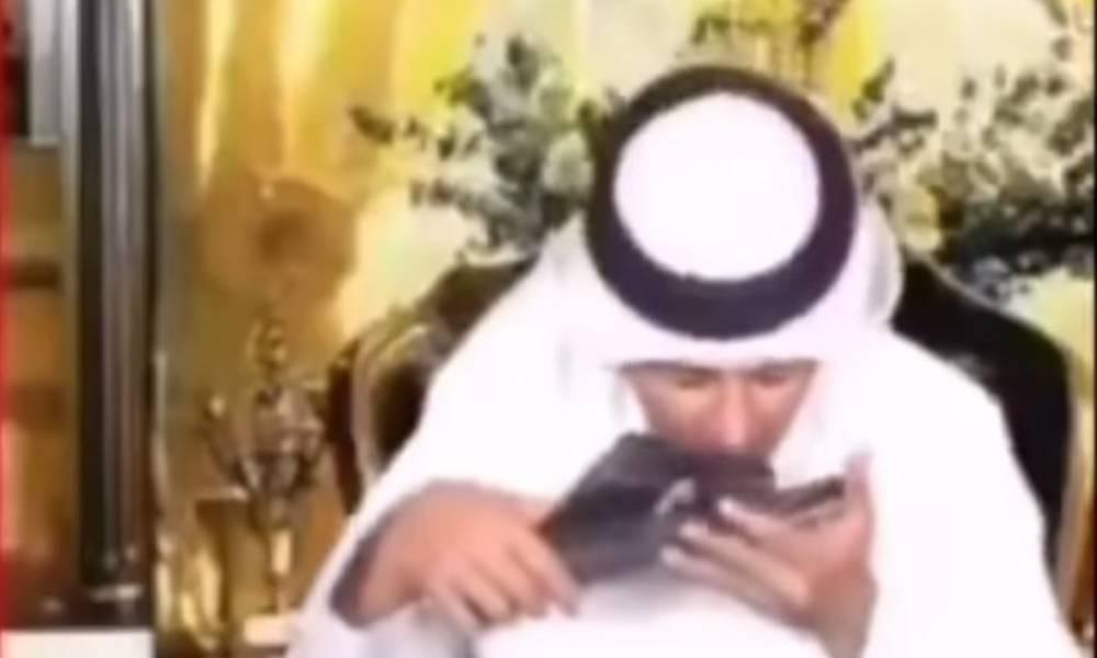 بالفيديو مذيع يقبل نعل ولي العهد محمد بن زيدان وهذا