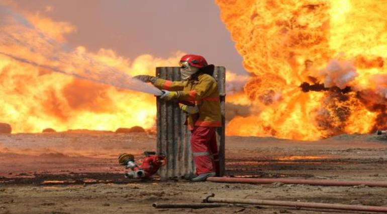Iraq witnesses the extinguishment of the last well of the field of oil Ajil